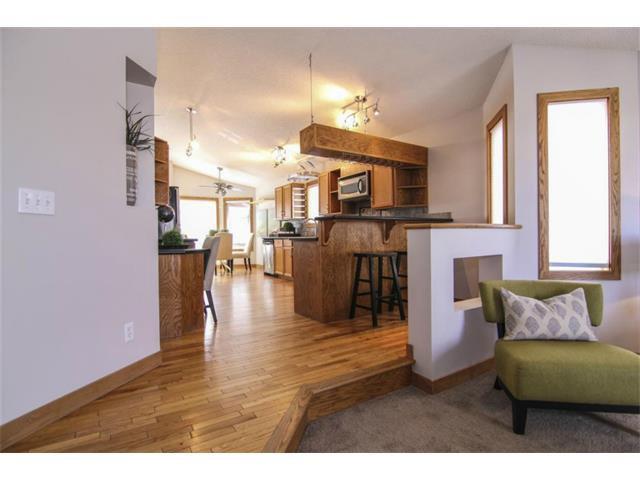 Photo 3: Photos: 25 HARVEST GLEN Court NE in Calgary: Harvest Hills House for sale : MLS®# C3650291