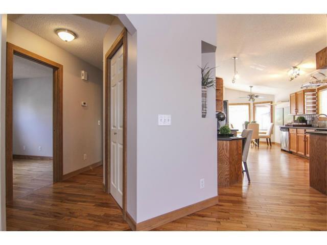 Photo 7: Photos: 25 HARVEST GLEN Court NE in Calgary: Harvest Hills House for sale : MLS®# C3650291