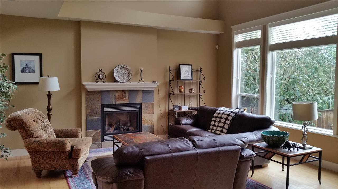 Photo 4: Photos: 11768 237A Street in Maple Ridge: Cottonwood MR House for sale : MLS®# R2044375