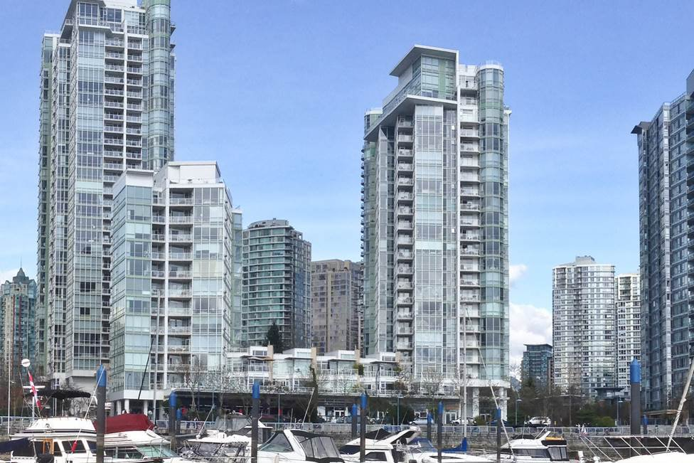 """Photo 20: Photos: GR-3J 1077 MARINASIDE Crescent in Vancouver: Yaletown Condo for sale in """"MARINASIDE RESORT"""" (Vancouver West)  : MLS®# R2050287"""