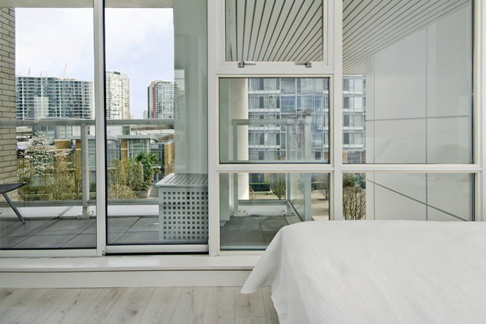"""Photo 11: Photos: GR-3J 1077 MARINASIDE Crescent in Vancouver: Yaletown Condo for sale in """"MARINASIDE RESORT"""" (Vancouver West)  : MLS®# R2050287"""