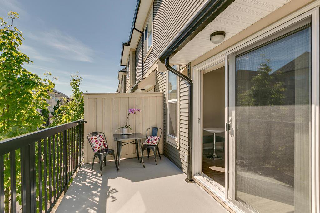 "Photo 13: Photos: 164 7938 209 Street in Langley: Willoughby Heights Townhouse for sale in ""RED MAPLE PARK"" : MLS®# R2102170"