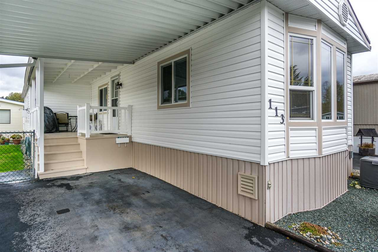 """Main Photo: 113 3300 HORN Street in Abbotsford: Central Abbotsford Manufactured Home for sale in """"Georgian Park"""" : MLS®# R2116345"""