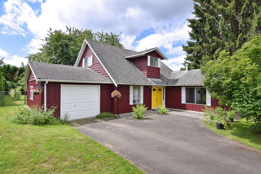 """Main Photo: 22828 COPPERBEECH Avenue in Langley: Fort Langley House for sale in """"Fort Langley"""" : MLS®# R2180083"""