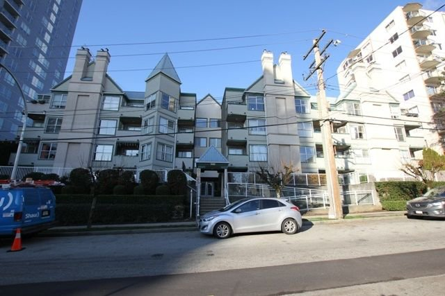 "Main Photo: 404 509 CARNARVON Street in New Westminster: Downtown NW Condo for sale in ""HILLSIDE PLACE"" : MLS®# R2226244"