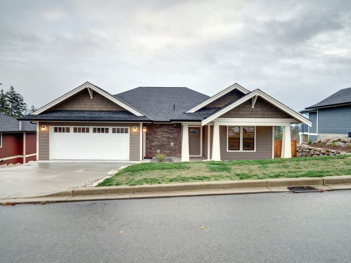 Main Photo: 6021 COWRIE Street in Sechelt: Sechelt District House for sale (Sunshine Coast)  : MLS®# R2231285