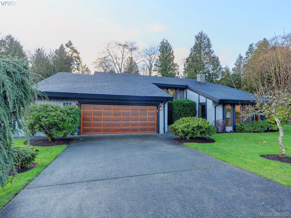 Main Photo: 839 Wavecrest Place in VICTORIA: SE Broadmead Single Family Detached for sale (Saanich East)  : MLS®# 386992