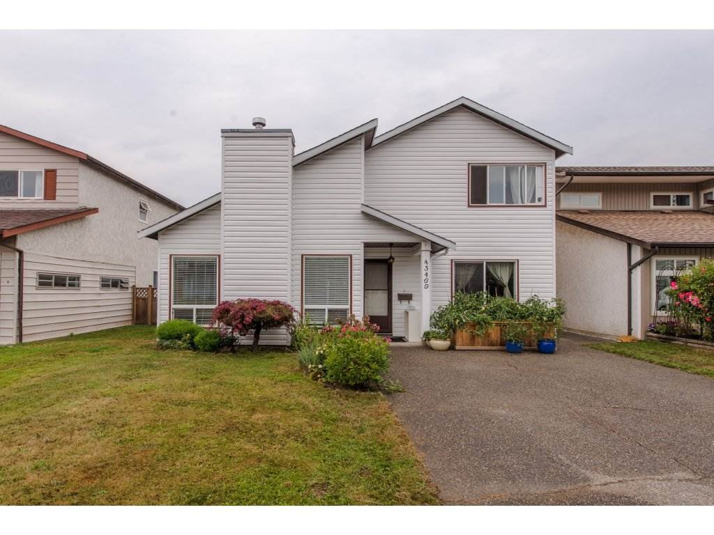 Main Photo: 45469 MEADOWBROOK Drive in Chilliwack: Chilliwack W Young-Well House for sale : MLS®# R2301084
