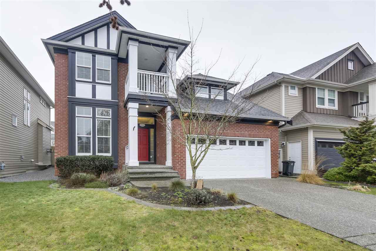 "Main Photo: 19571 THORBURN Way in Pitt Meadows: South Meadows House for sale in ""River's Edge"" : MLS®# R2334840"