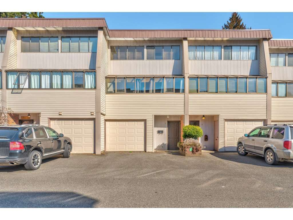 """Main Photo: 3 9446 HAZEL Street in Chilliwack: Chilliwack E Young-Yale Townhouse for sale in """"DELONG GARDENS"""" : MLS®# R2350000"""