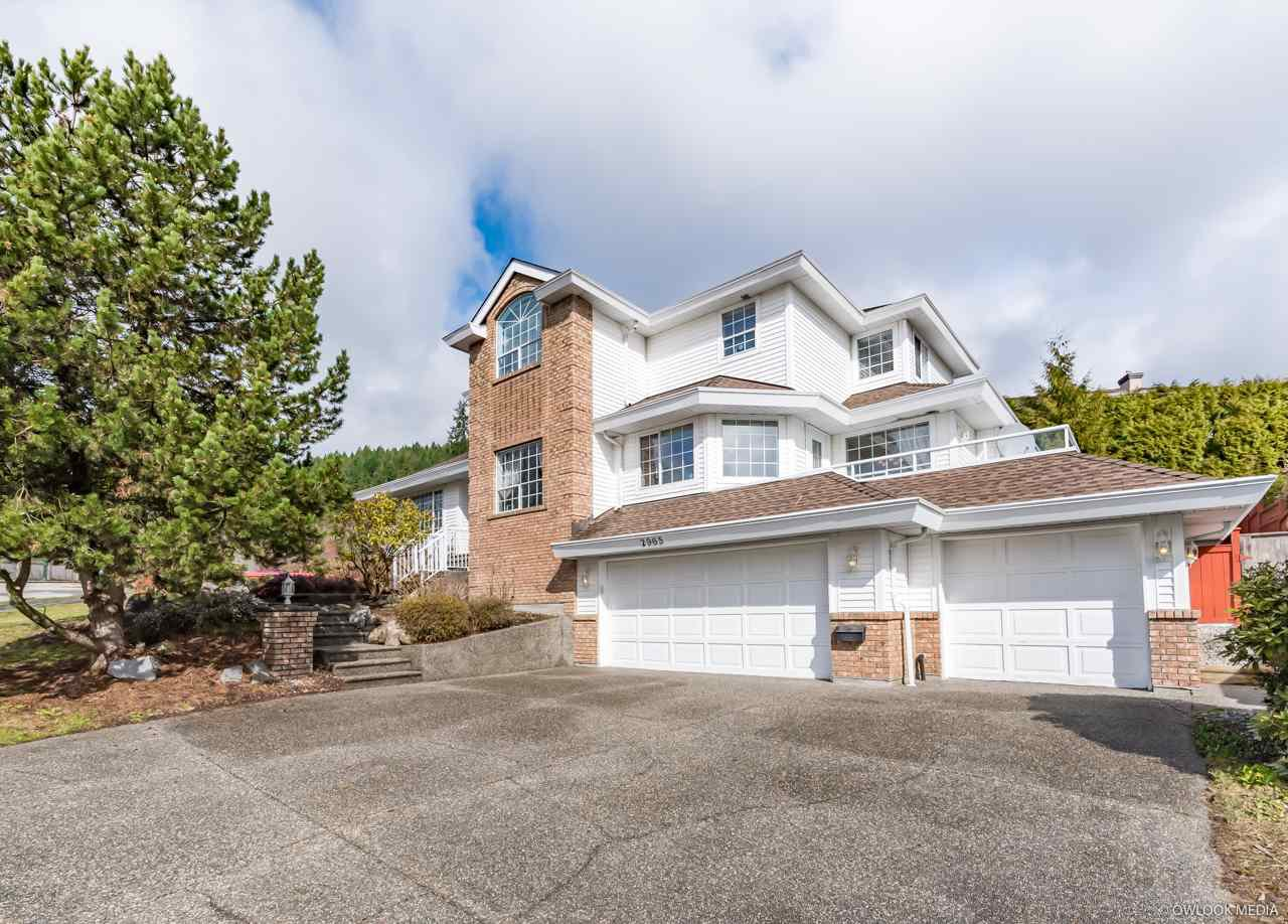 Main Photo: 2965 ROBSON Drive in Coquitlam: Westwood Plateau House for sale : MLS®# R2449185