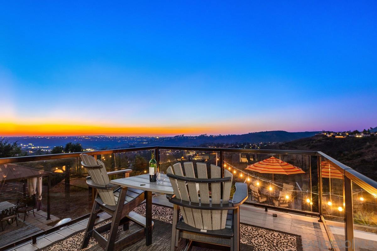 Main Photo: DEL CERRO House for sale : 4 bedrooms : 6218 Oakridge Road in San Diego