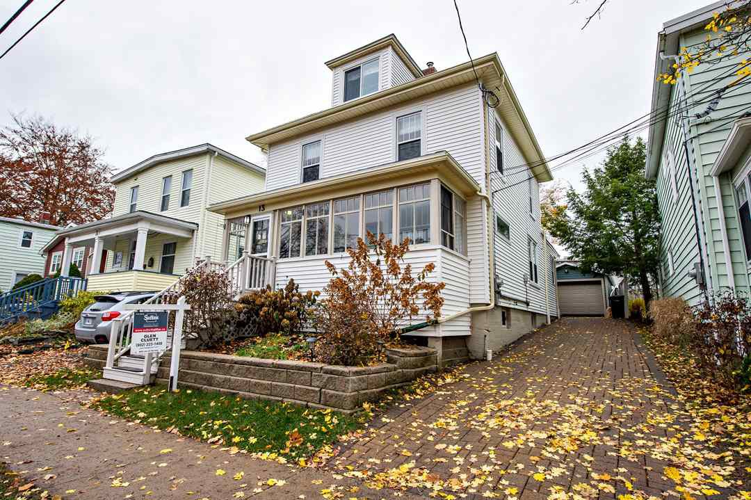 Main Photo: 13 Elliot Street in Dartmouth: 12-Southdale, Manor Park Residential for sale (Halifax-Dartmouth)  : MLS®# 202023591
