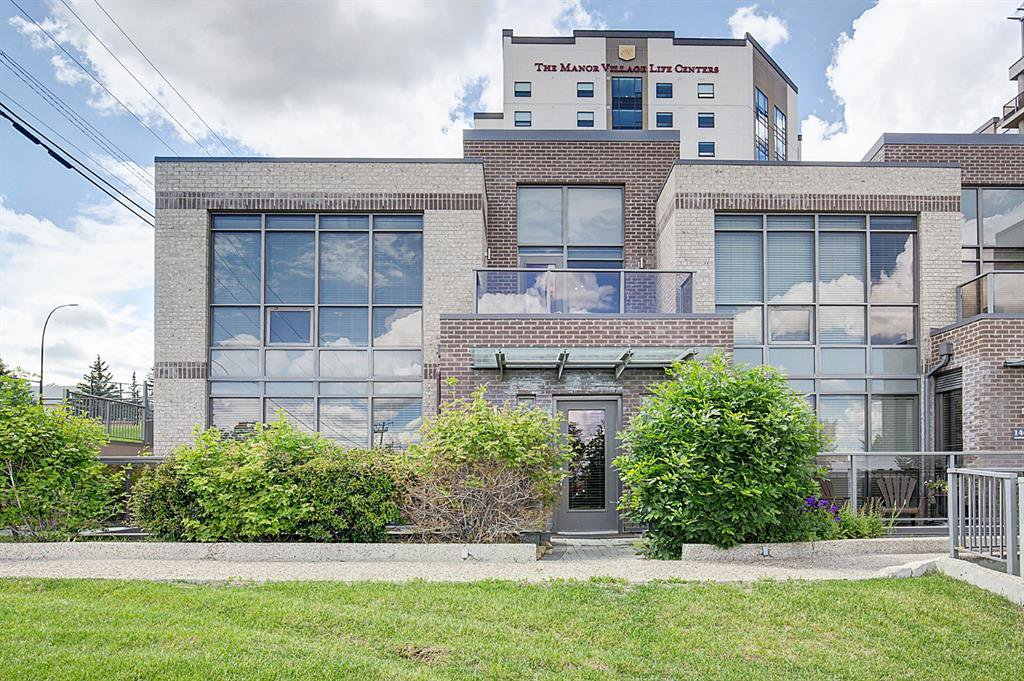 Main Photo: 14601 SHAWNEE Gate SW in Calgary: Shawnee Slopes Row/Townhouse for sale : MLS®# A1051514