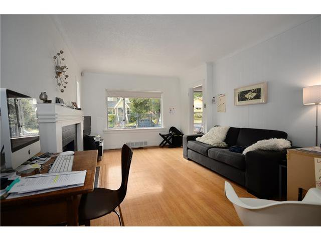 """Main Photo: 2004 E 8TH Avenue in Vancouver: Grandview VE House for sale in """"COMMERCIAL DRIVE"""" (Vancouver East)  : MLS®# V910126"""