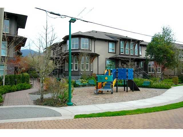 """Main Photo: # 1 308 E 14TH ST in North Vancouver: Central Lonsdale Condo for sale in """"AVONDALE"""" : MLS®# V945269"""