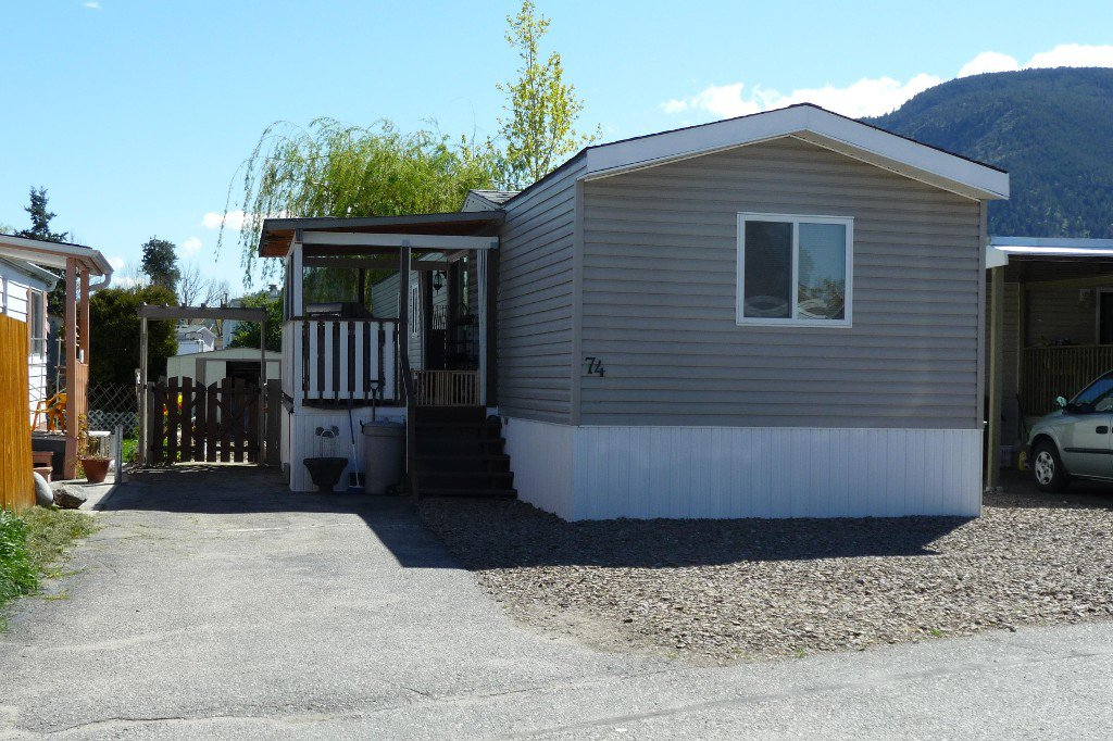 Main Photo: 74 3999 Skaha Lake Road in Penticton: Manufactured for sale : MLS®# 139890