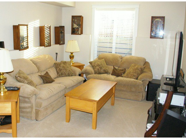 """Photo 14: Photos: 21139 80TH Avenue in Langley: Willoughby Heights Townhouse for sale in """"YORKVILLE"""" : MLS®# F1401445"""