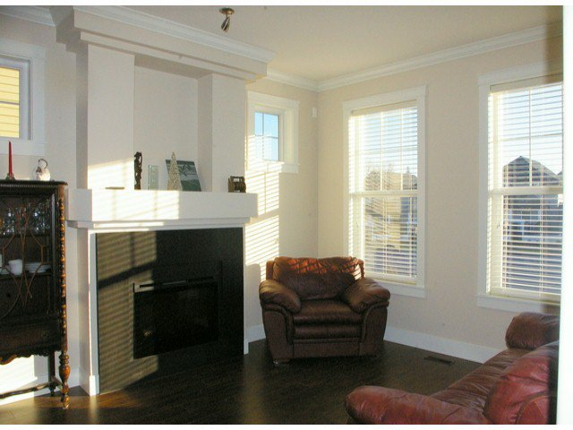 """Photo 10: Photos: 21139 80TH Avenue in Langley: Willoughby Heights Townhouse for sale in """"YORKVILLE"""" : MLS®# F1401445"""