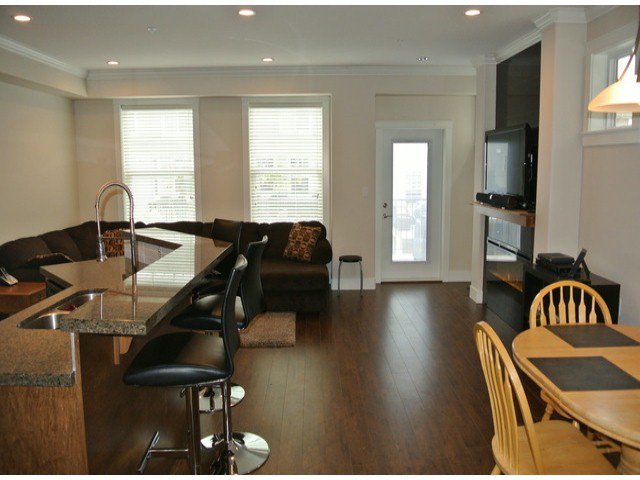 """Photo 7: Photos: 21139 80TH Avenue in Langley: Willoughby Heights Townhouse for sale in """"YORKVILLE"""" : MLS®# F1401445"""
