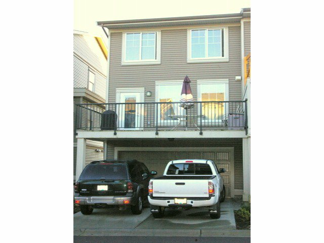 """Photo 12: Photos: 21139 80TH Avenue in Langley: Willoughby Heights Townhouse for sale in """"YORKVILLE"""" : MLS®# F1401445"""