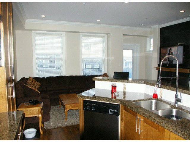 """Photo 5: Photos: 21139 80TH Avenue in Langley: Willoughby Heights Townhouse for sale in """"YORKVILLE"""" : MLS®# F1401445"""
