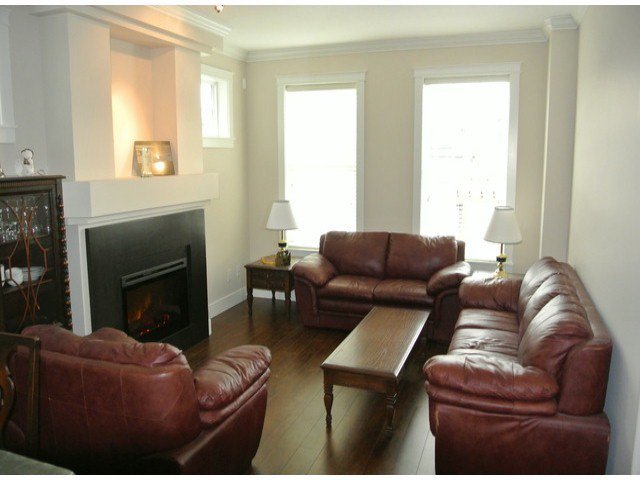 """Photo 9: Photos: 21139 80TH Avenue in Langley: Willoughby Heights Townhouse for sale in """"YORKVILLE"""" : MLS®# F1401445"""