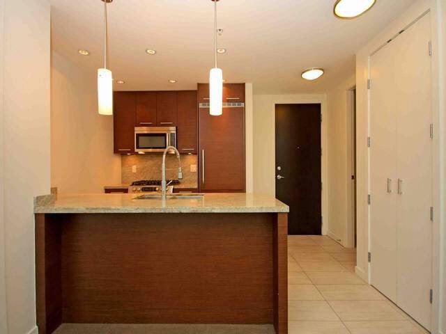 """Photo 4: Photos: 504 2528 MAPLE Street in Vancouver: Kitsilano Condo for sale in """"THE PULSE"""" (Vancouver West)  : MLS®# V1090811"""