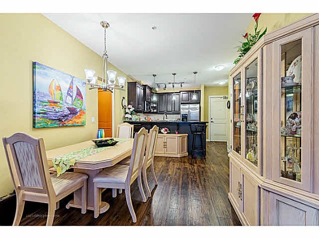 "Photo 9: Photos: 269 8328 207A Street in Langley: Willoughby Heights Condo for sale in ""Walnut Ridge One - Yorkson"" : MLS®# F1446991"