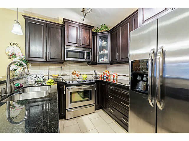 "Photo 5: Photos: 269 8328 207A Street in Langley: Willoughby Heights Condo for sale in ""Walnut Ridge One - Yorkson"" : MLS®# F1446991"