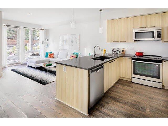 "Photo 5: Photos: 205 15628 104 Avenue in Surrey: Guildford Condo for sale in ""Chroma"" (North Surrey)  : MLS®# R2006974"