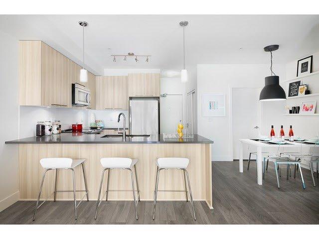 "Photo 4: Photos: 205 15628 104 Avenue in Surrey: Guildford Condo for sale in ""Chroma"" (North Surrey)  : MLS®# R2006974"