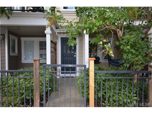 Main Photo: 110 842 Brock Avenue in VICTORIA: La Langford Proper Townhouse for sale (Langford)  : MLS®# 368744