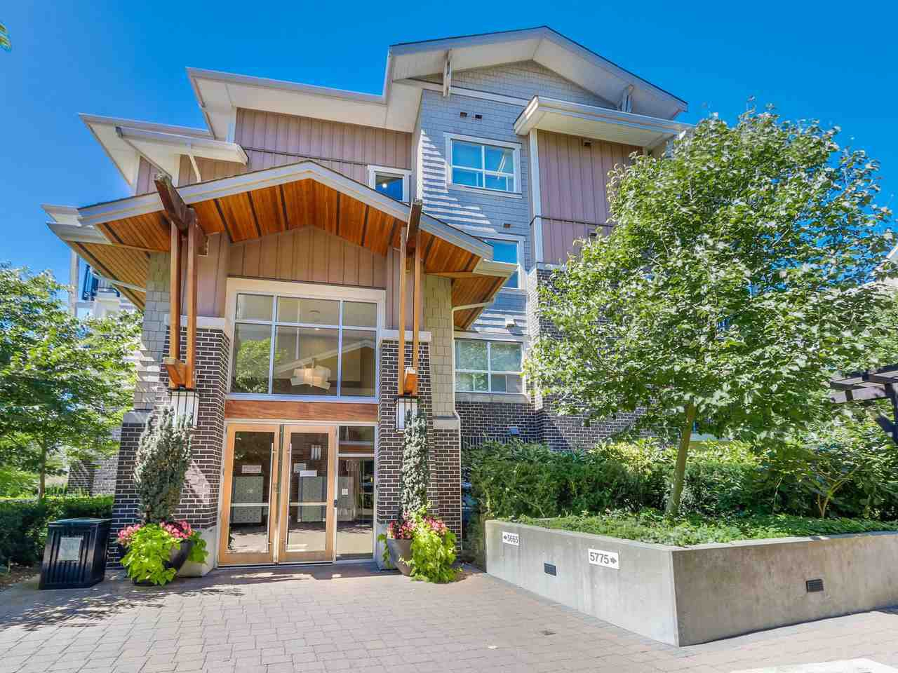 Main Photo: 106 5665 IRMIN Street in Burnaby: Metrotown Condo for sale (Burnaby South)  : MLS®# R2101253