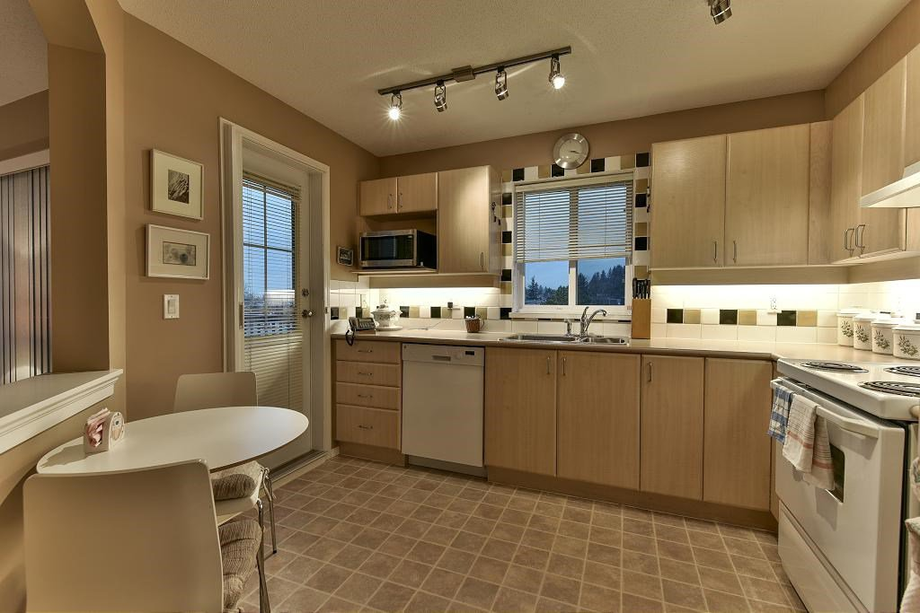 "Photo 5: Photos: 314 6336 197 Street in Langley: Willoughby Heights Condo for sale in ""THE ROCKPORT"" : MLS®# R2131786"