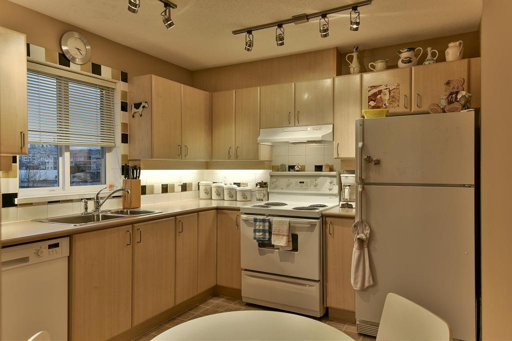 "Photo 6: Photos: 314 6336 197 Street in Langley: Willoughby Heights Condo for sale in ""THE ROCKPORT"" : MLS®# R2131786"