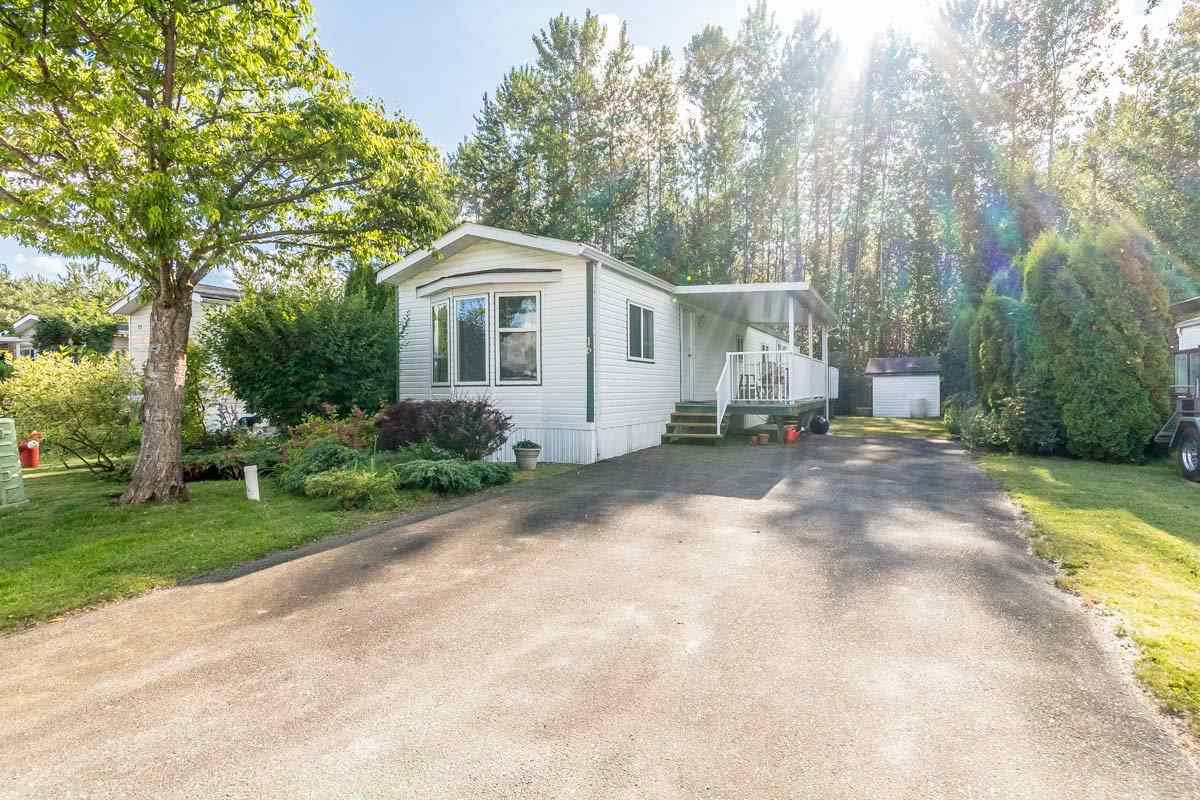 "Main Photo: 16 41168 LOUGHEED Highway in Mission: Dewdney Deroche Manufactured Home for sale in ""Oasis Country Estates"" : MLS®# R2180722"