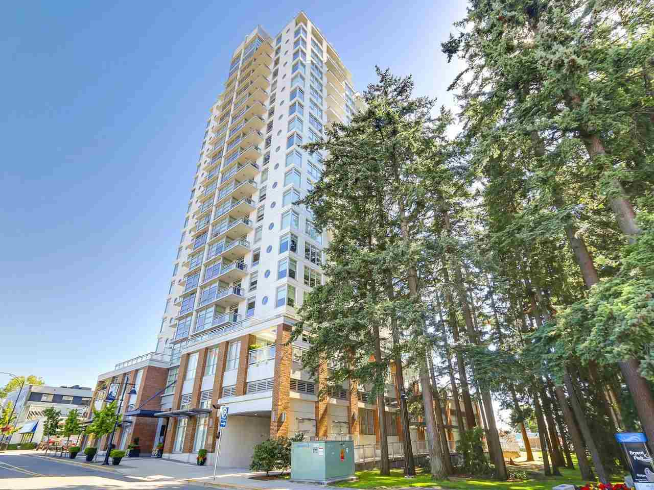"Main Photo: 907 15152 RUSSELL Avenue: White Rock Condo for sale in ""Miramar Village"" (South Surrey White Rock)  : MLS®# R2198890"