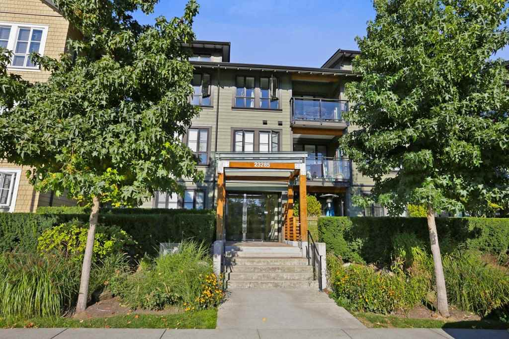 """Main Photo: 305 23285 BILLY BROWN Road in Langley: Fort Langley Condo for sale in """"The Village at Bedford Landing"""" : MLS®# R2211106"""