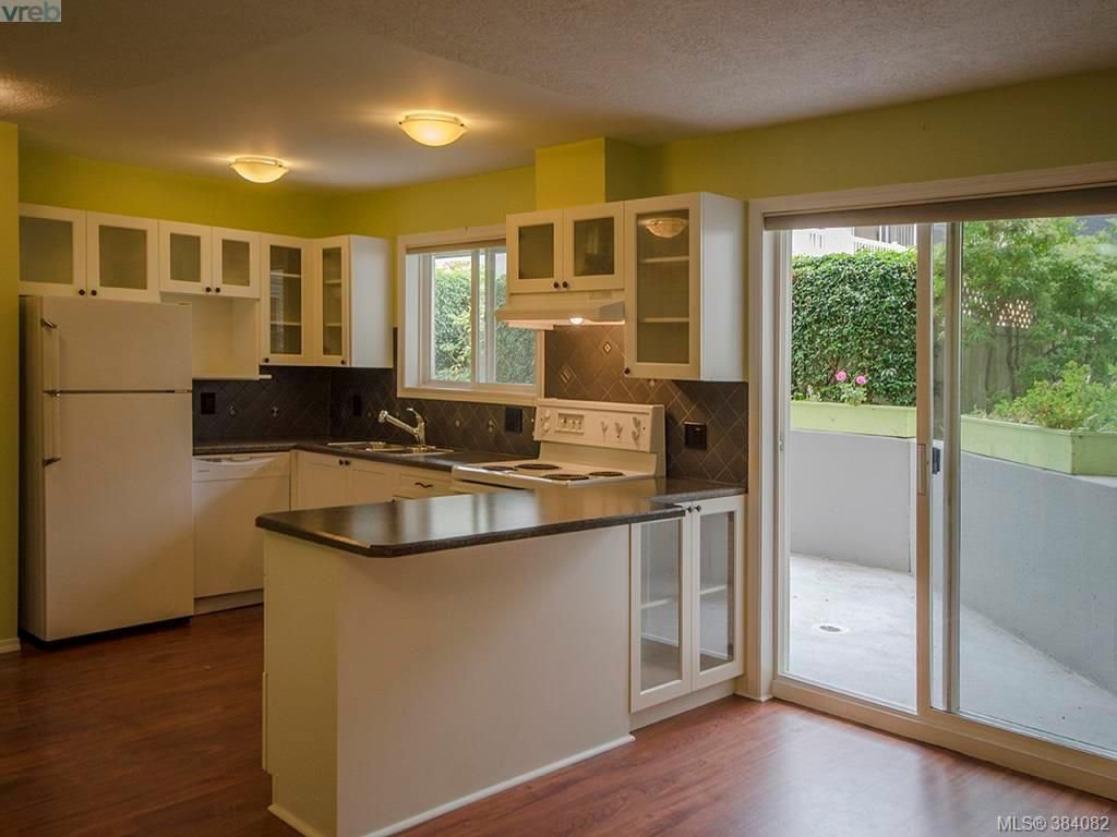 Main Photo: 105 445 Cook St in VICTORIA: Vi Fairfield West Condo Apartment for sale (Victoria)  : MLS®# 771947