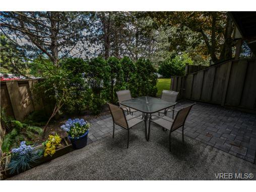 Main Photo: 6 4096 Torquay Drive in VICTORIA: SE Mt Doug Residential for sale (Saanich East)  : MLS®# 324979