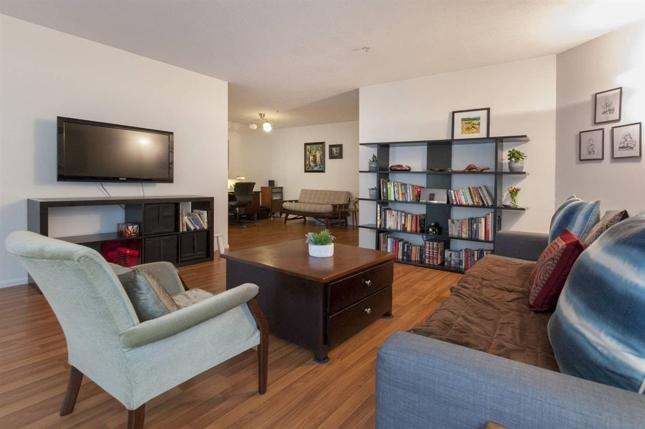 """Photo 3: Photos: 204 7520 COLUMBIA Street in Vancouver: Marpole Condo for sale in """"The Springs at Langara"""" (Vancouver West)  : MLS®# R2249291"""