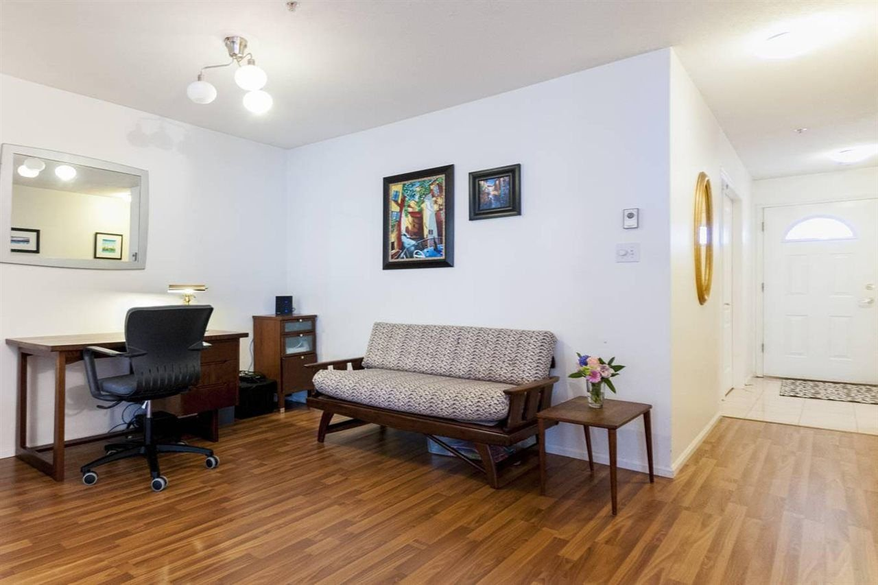 """Photo 2: Photos: 204 7520 COLUMBIA Street in Vancouver: Marpole Condo for sale in """"The Springs at Langara"""" (Vancouver West)  : MLS®# R2249291"""