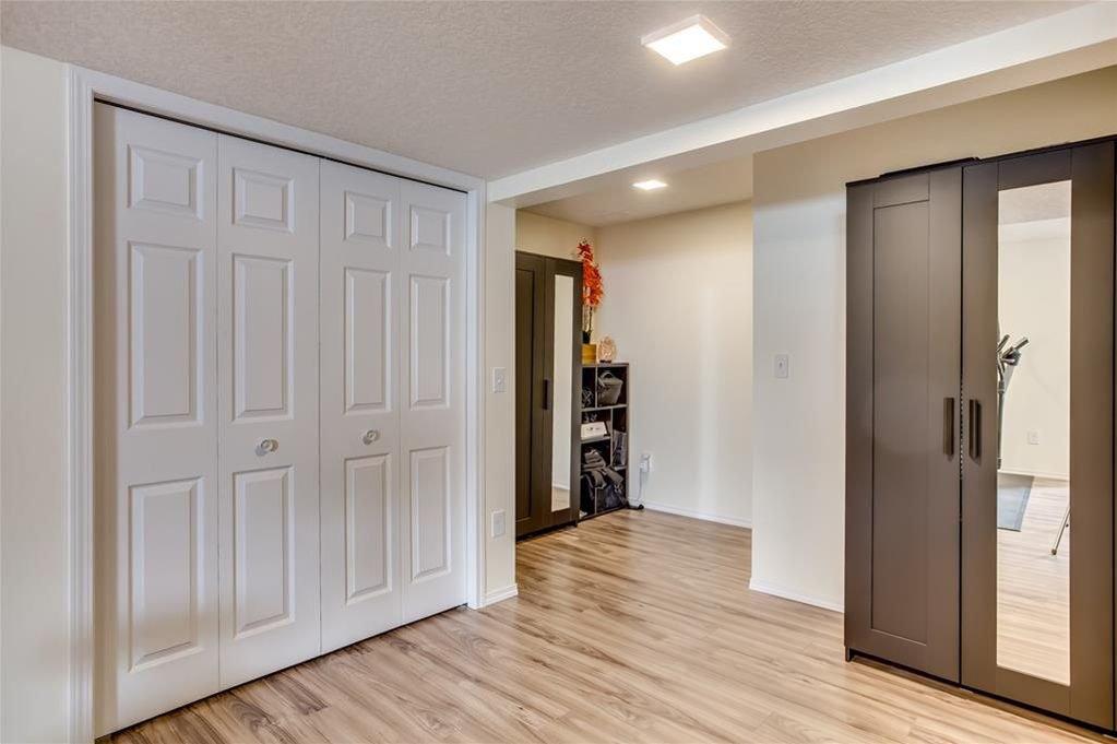 Photo 36: Photos: 260 EVERGLEN Way SW in Calgary: Evergreen House for sale : MLS®# C4175004