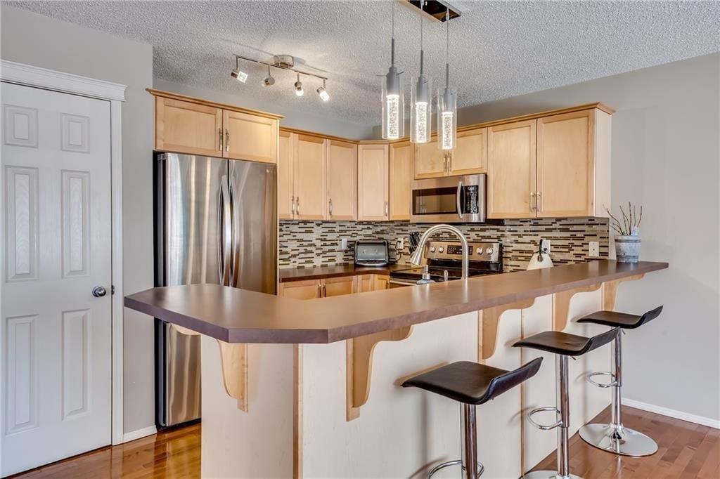 Photo 5: Photos: 260 EVERGLEN Way SW in Calgary: Evergreen House for sale : MLS®# C4175004
