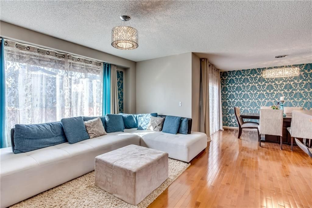 Photo 11: Photos: 260 EVERGLEN Way SW in Calgary: Evergreen House for sale : MLS®# C4175004