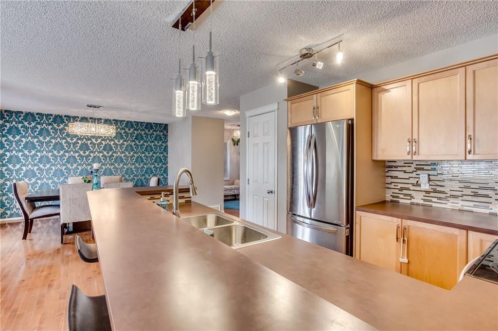 Photo 7: Photos: 260 EVERGLEN Way SW in Calgary: Evergreen House for sale : MLS®# C4175004