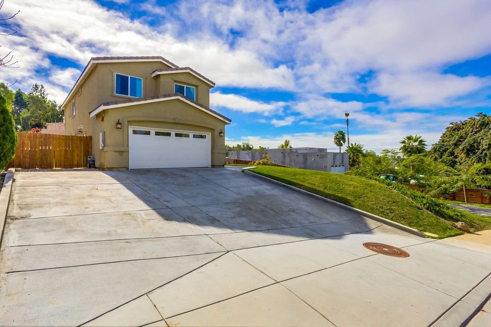 Main Photo: LA MESA House for sale : 5 bedrooms : 10109 Toledo Road in Spring Valley