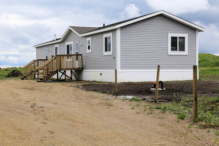Main Photo: RANGE ROAD 35 TWP RD 541A: Rural Lac Ste. Anne County House for sale : MLS®# E4142553