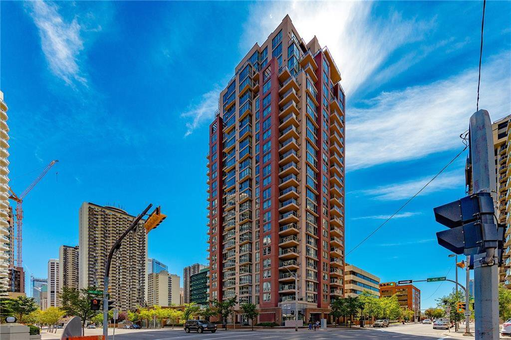 Main Photo: 203 650 10 Street SW in Calgary: Downtown West End Apartment for sale : MLS®# C4244872